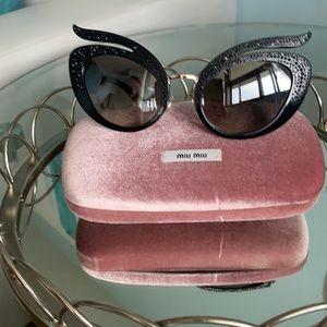 ✨host pick ✨Miu Miu  cat eye  hat black sunglasses